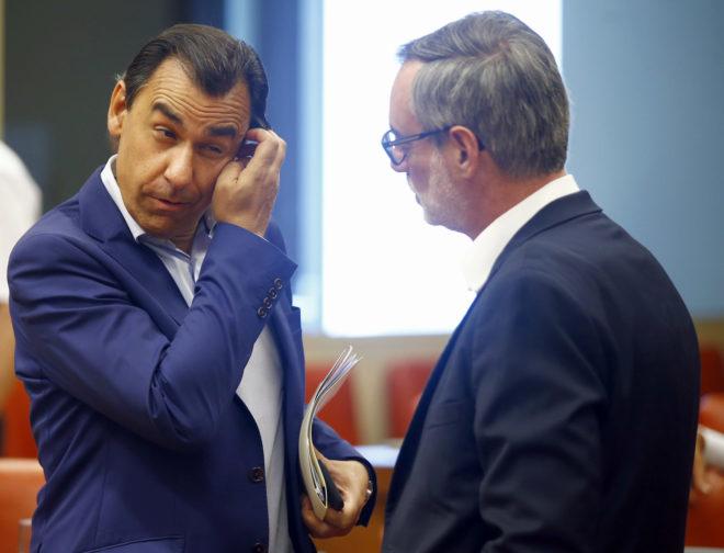 Fernando Martínez-Maíllo, coordinador general del PP, y José Manuel...