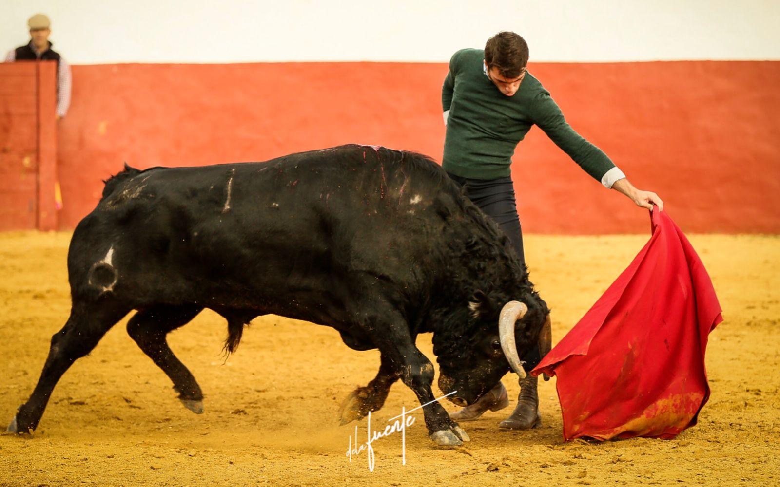 Rafael Serna se prepara en el campo