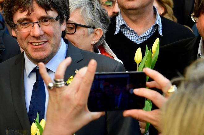 Carles Puigdemont, el pasado sábado en Berlín, tras ser puesto en...