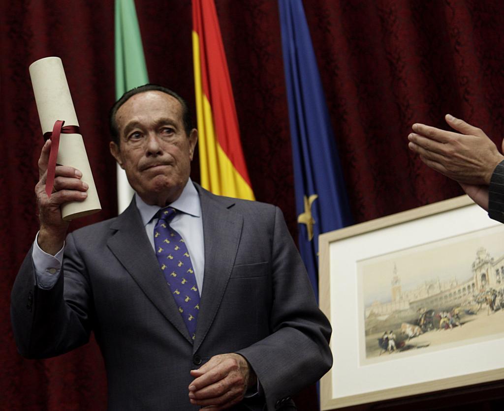 Curro Romero recoge el V Premio de Cultura de la Universidad de Sevilla