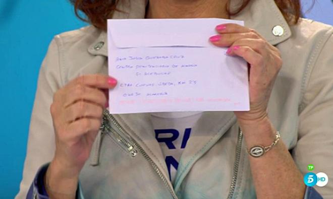 La carta de Ana Julia mostrada por Ana Rosa Quintana.