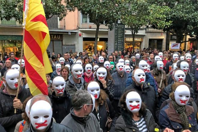 El CDR de Figueres convocó el día 5 una concentración en la plaza del Ayuntamiento por «la abolición del 155 y la liberación de los presos políticos».