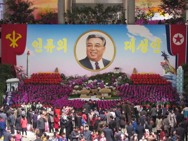 Corea del Norte celebra su principal fiesta sin misiles