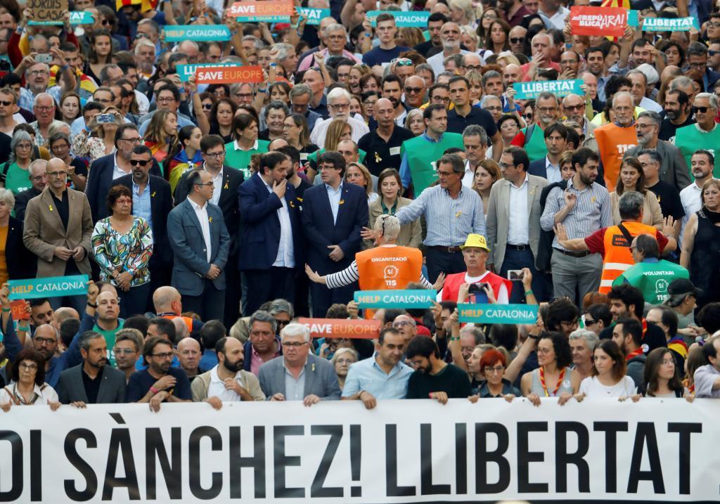 Manifestación tras el encarcelamiento de Jordi Sánchez y Jordi Cuixart el pasado octubre en Barcelona.