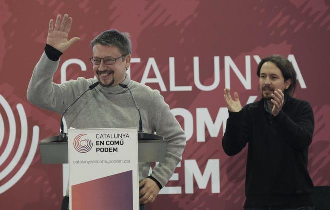 Pablo Iglesias aplaude una intervención de Xavier Domènech durante...