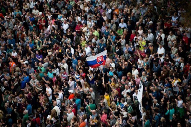 Dimite el ministro de Interior de Eslovaquia tras las manifestaciones contra el Gobierno