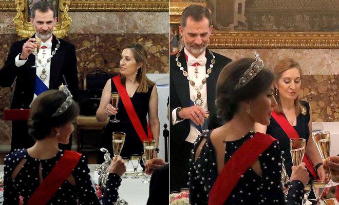 El antes y el después del momento en el que se le desabrocha a Letizia su vestido.