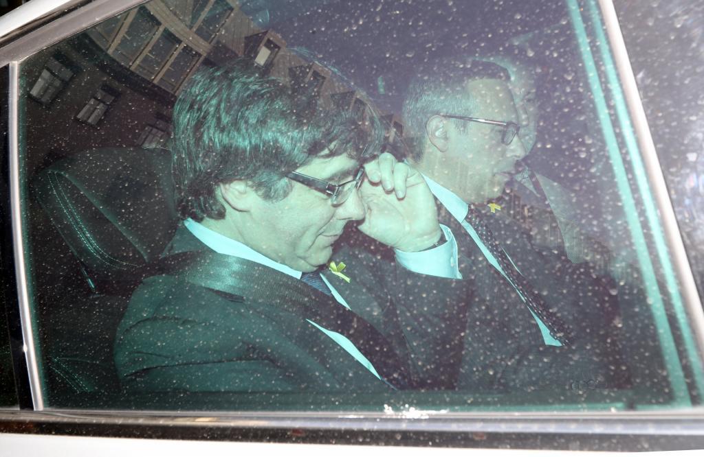 El Supremo avala que el juez Llarena impute a Puigdemont por rebelión y critica al tribunal alemán