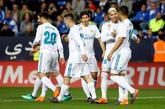 Los jugadores del Real Madrid celebran el segundo gol del equipo en...