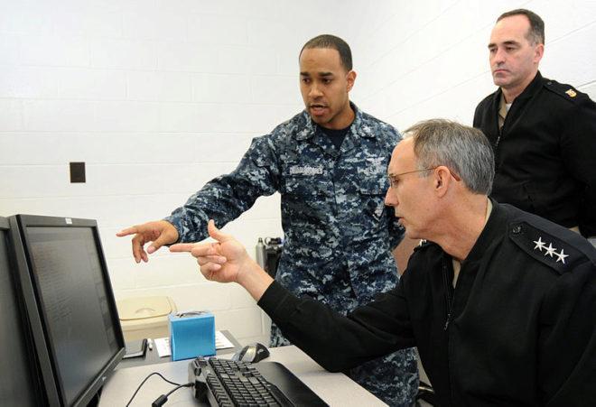 La marina americana es acusada de piratear 600 millones de dólares en programas informáticos