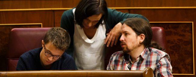 Íñigo Errejón, Carolina Bescansa y Pablo Iglesias, en el Congreso...