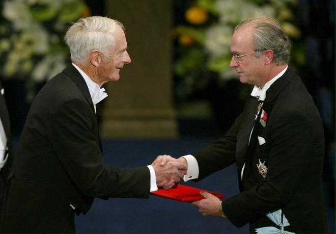 El rey de Suecia anuncia una reforma de la academia del Nobel tras los últimos escándalos