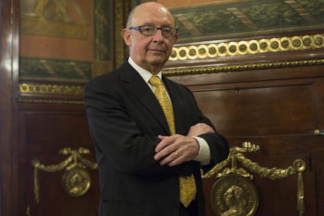 El ministro de Hacienda y Presupuestos, Cristobal Montoro en su...