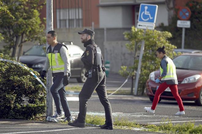 El tiroteo se produjo sobre las 22.15 horas en el aparcamiento de la Escuela Oficial de Idiomas y los testigos llegaron a escuchar hasta ocho disparos.