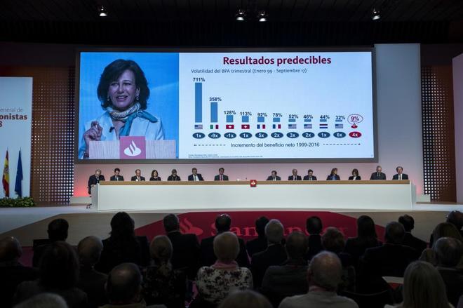 La presidenta del Banco Santander durante la Junta General de Accionistas.