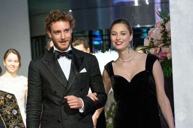 Pierre Casiraghi y Beatrice Borromeo durante un evento en Mónaco