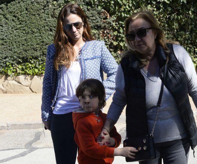 Sandra Fernández de Villavicencio junto a su madre, Eva Frommer, y su hijo Kenzo