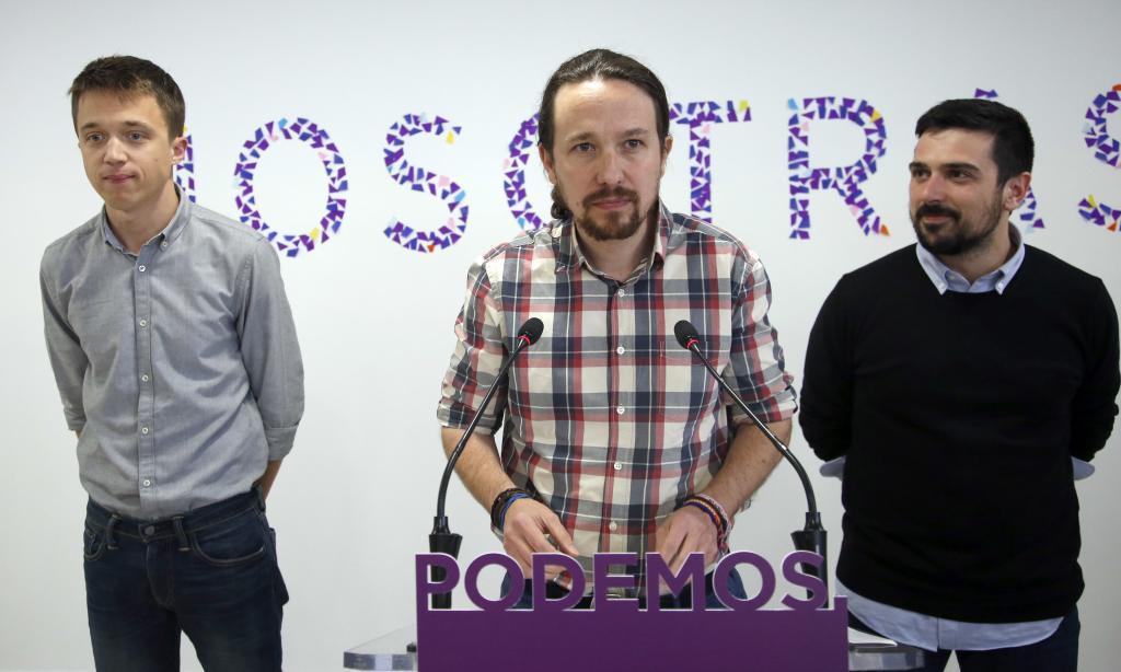 Íñigo Errejón, Pablo Iglesias y Ramón Espinar, durante una intervención ante los medios en la sede de Podemos en Princesa.