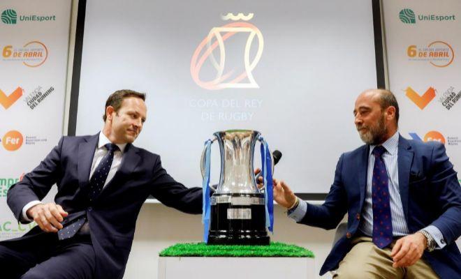 El presidente del Silverstorm El Salvador, Juan Carlos Martín, y el presidente del VRAC Quesos Entrepinares, José María Gamazo, durante la presentación de la Final de la Copa del Rey de Rugby.