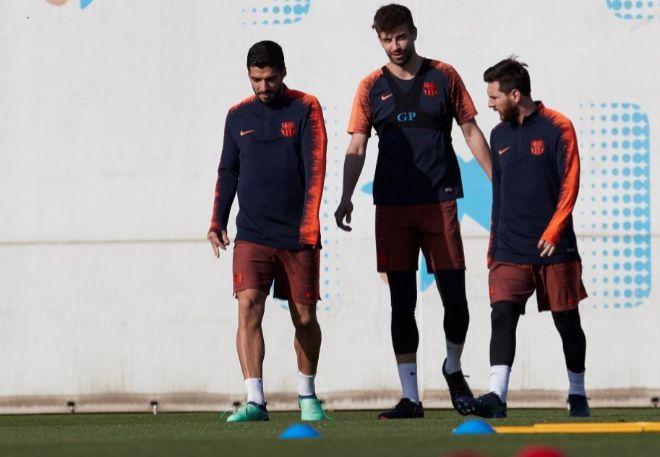 Suárez, Piqué y Messi en la ciudad deportiva Joan Gamper..