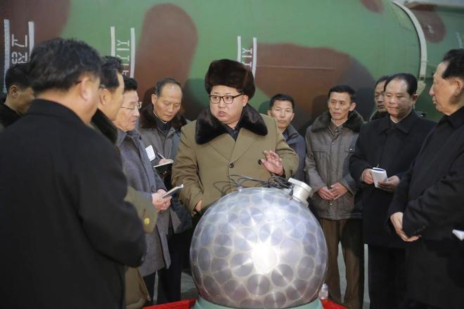El líder Kim Jong Un supervisa las pruebas nucleares de Corea del Norte.
