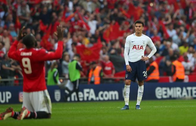 Ander Herrera mete a Mourinho en la final de la FA Cup