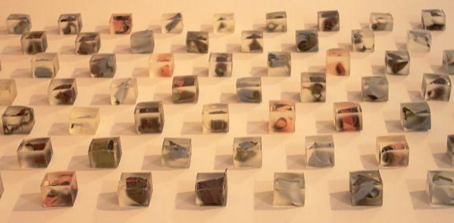 La obra de Lucía Blas 'Autorretrato' describe su visión fragmentada de la vida.