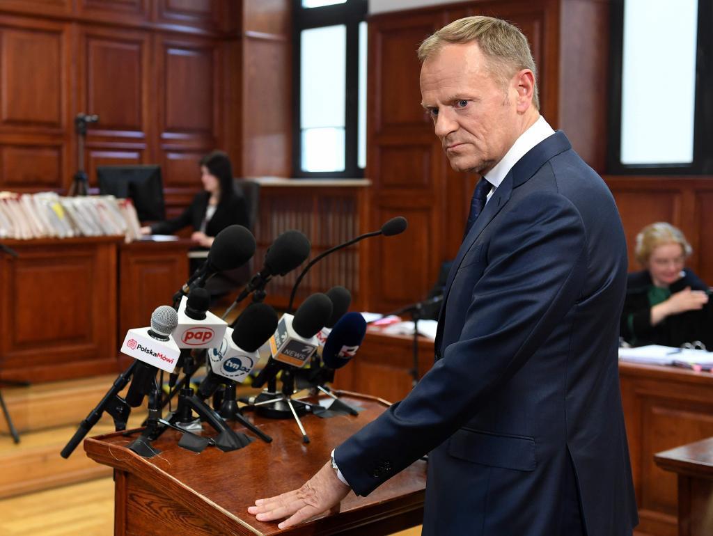 Donald tusk comparece para defenderse de las acusaciones for Presidente del consejo europeo