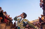 El Juli sale por la Puerta del Príncipe de Sevilla el pasado 16 de abril