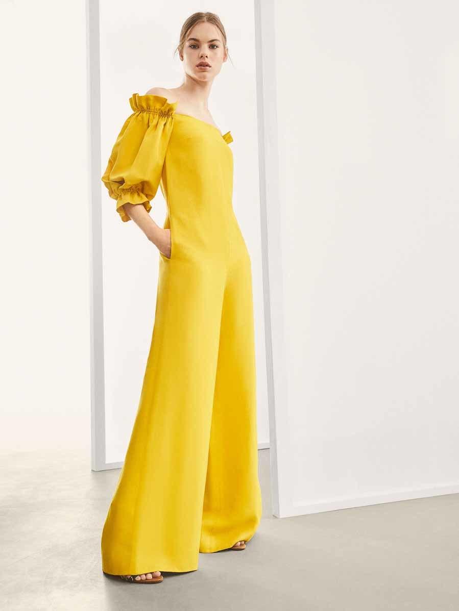 cf519dc4ac9e0 25 monos para triunfar como invitada en una boda - Mono amarillo de Massimo  Dutti