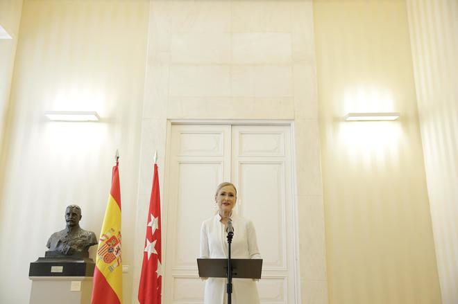 Cristina Cifuentes durante el anuncio de su dimisión como presidenta de la Comunidad de Madrid.