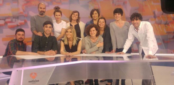 El equipo de las noticias de mediodía de Antena 3, liderado por...