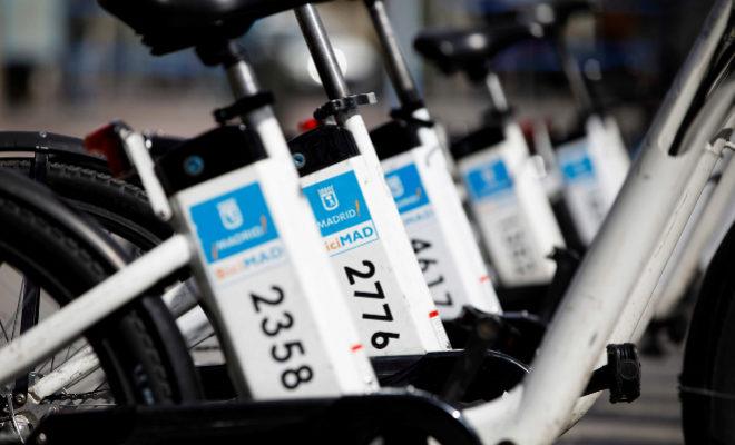 Las bicis de BiciMad, en una estación en el centro de Madrid.