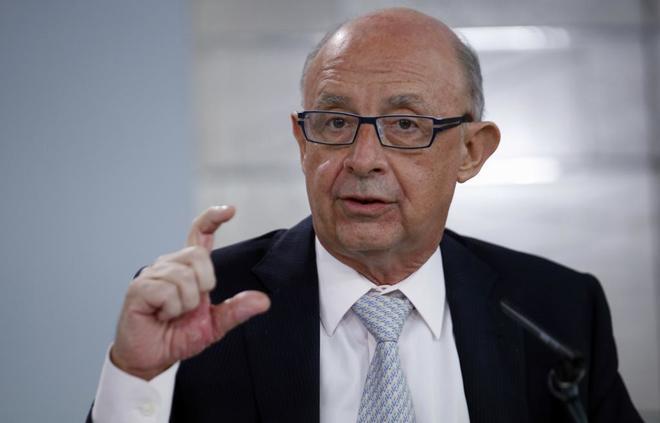El ministro de Hacienda, Cristóbal Montoro, en una rueda de prensa.