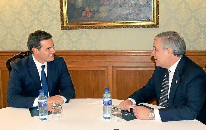 El líder de Ciudadanos, Albert Rivera, junto a Antonio Tajani.