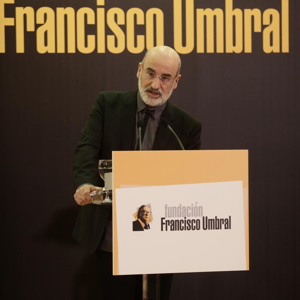 El escritor y autor de 'Patria' Fernando Aramburu cuando recogió el premio literario Francisco Umbral.