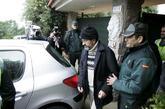 Miguel Rosendo, durante el registro de su casa tras su detención, en...