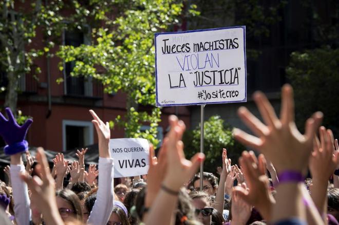 Concentración feminista en la Puerta del Sol, coincidiendo con los...