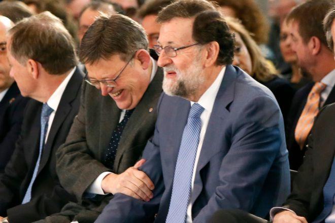 Puig y Rajoy en el aeropuerto de El Altet.