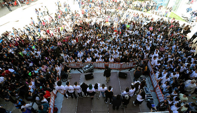 Celebración, este miércoles, en la plaza de las Aulas, del Día Internacional contra el Acoso Escolar.