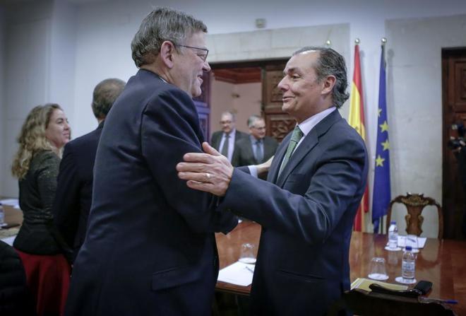 El presidente de la CEV, salvador Navarro, junto al presidente de la Generalitat, Ximo Puig.