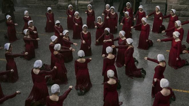 Imagen de la segunda temporada de la serie 'The Handmaid's Tale'.