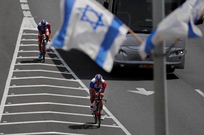 Thibaut Pinot, ciclista francés de la FDJ, durante un entrenamiento en Israel.
