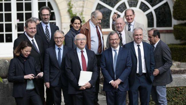 Políticos e invitados internacionales a las puertas del Palacete de...