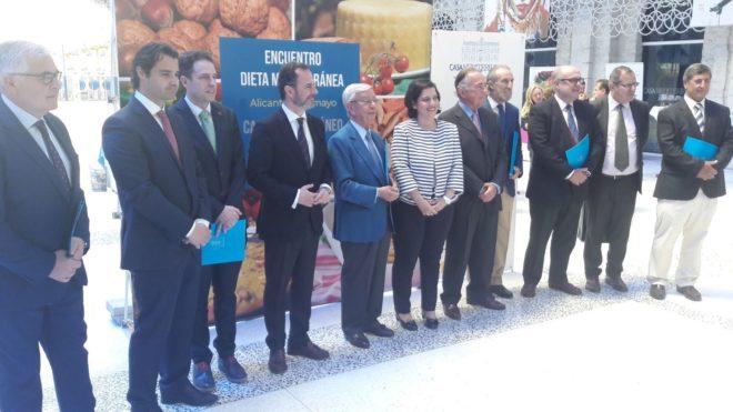 Los firmantes de la Declaración de Alicante, este viernes, en Casa Mediterráneo.