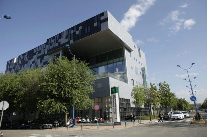 La sede de la Agencia IDEA de la Junta de Andalucía, en la isla de la Cartuja en Sevilla.
