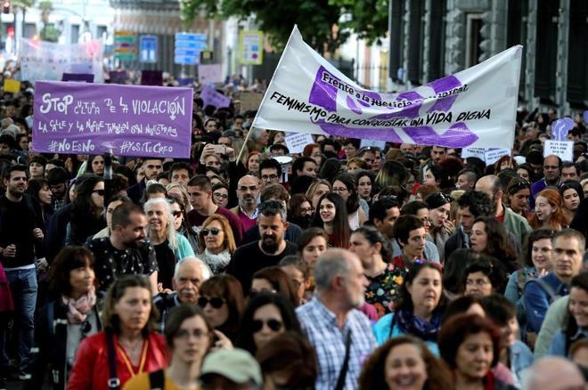 Manifestación en Madrid en contra de la sentencia en el caso de La...