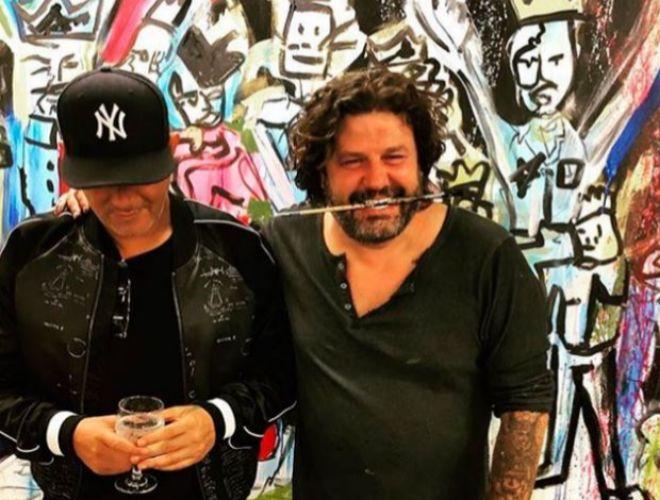 Alejandro Sanz, junto al también pintor Domingo Zapata.