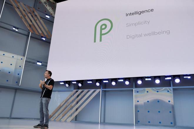 Dave Burke, vicepresidente de ingeniería Android, en la cita anual de desarrolladores.