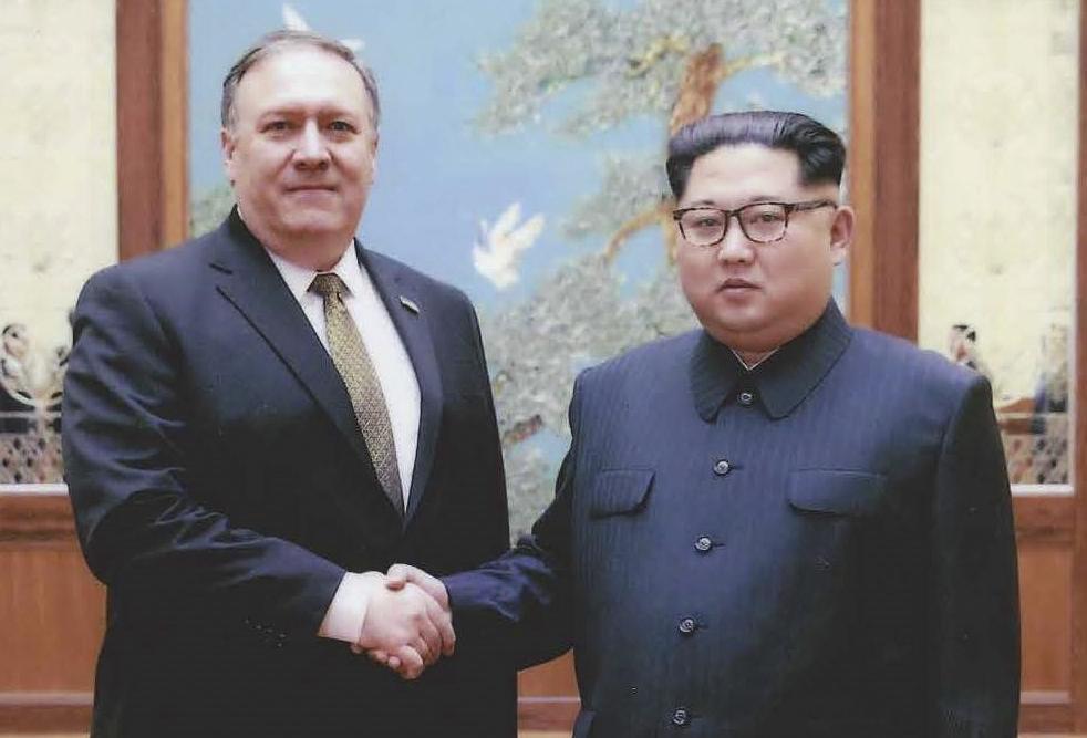 Imagen del último encuentro entre Mike Pomeo y Kim Jong-Un en Pyongyang, el pasado mes de abril.